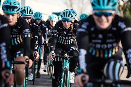 MET Helmets Drops Cycling Frauen-Team